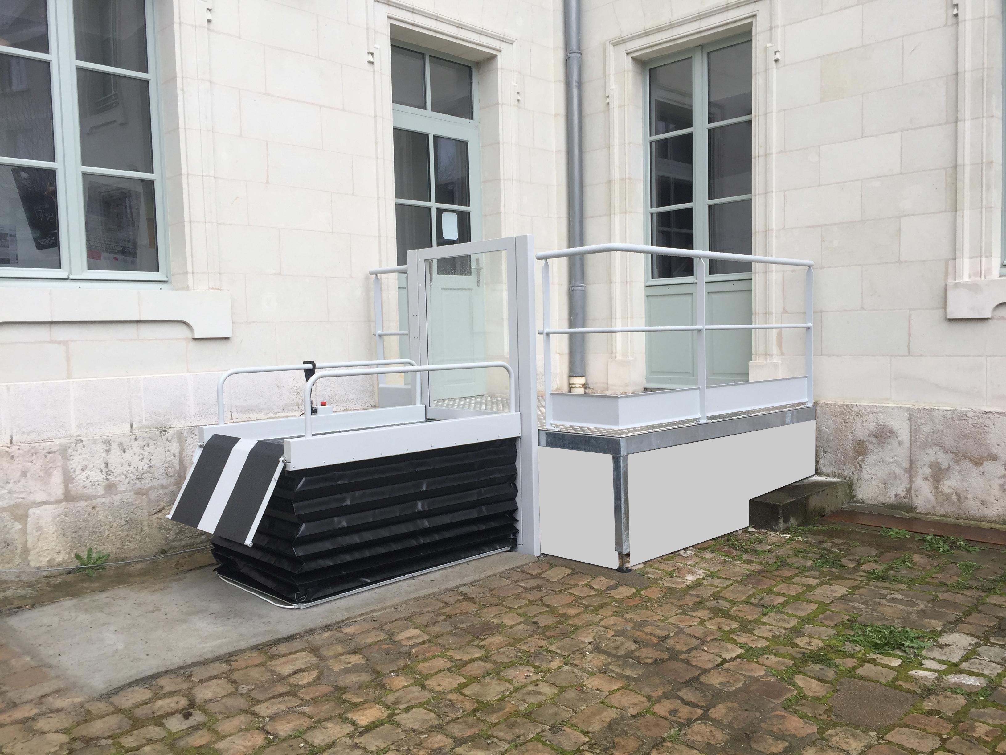 rampe d 39 acc s pour handicap s passerelle pmr. Black Bedroom Furniture Sets. Home Design Ideas